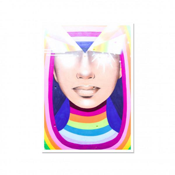 Postkarte hoch, Streetart, RAINBOW WOMAN
