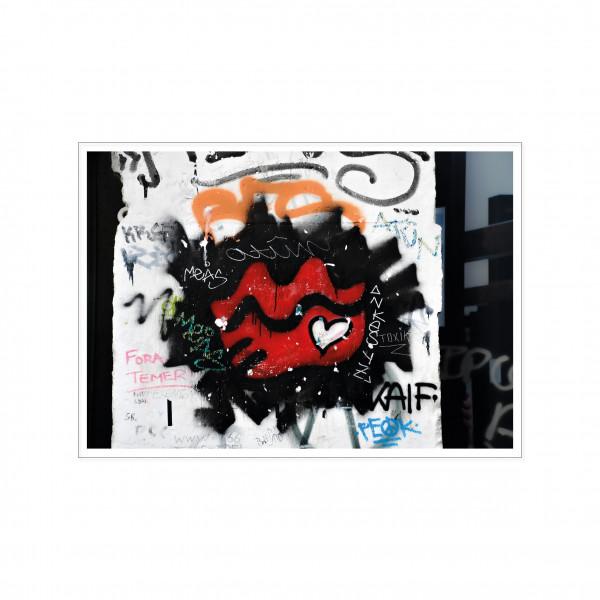 Postkarte quer, Streetart, RED LIPS