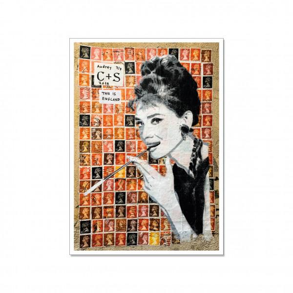 Postkarte hoch, Streetart, SMOKING AUDREY