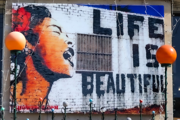 17;30 miniART quer, LIFE IS BEAUTIFUL
