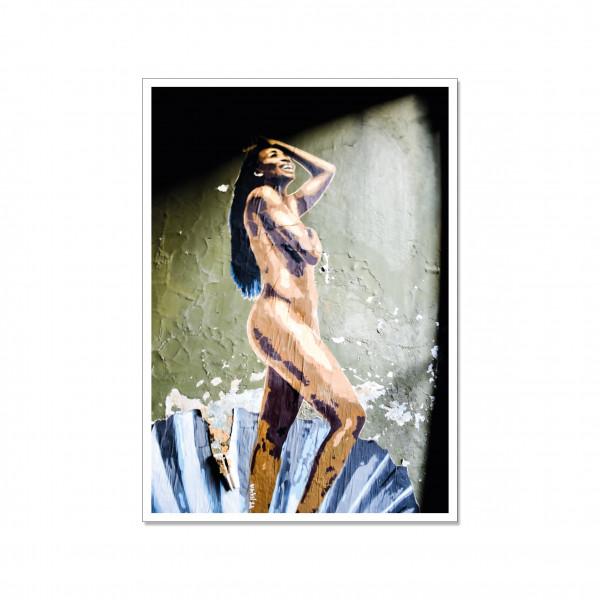 Postkarte hoch, Streetart, NUDE WOMAN