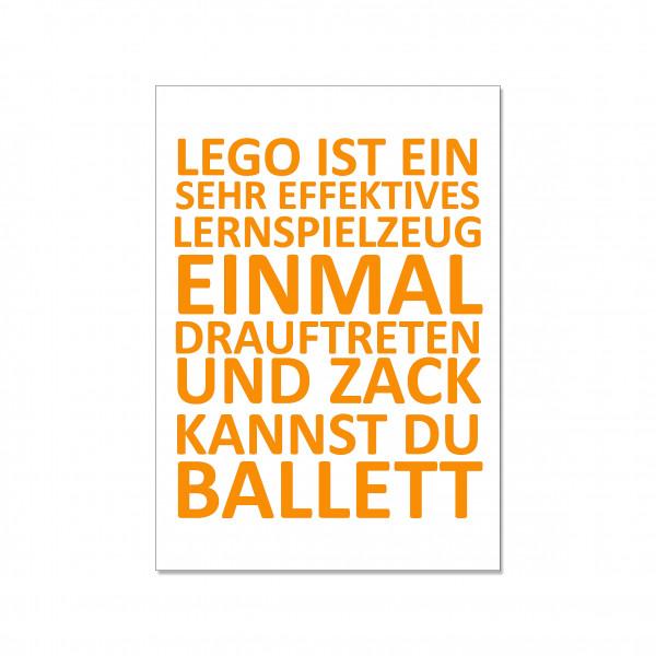 Postkarte hoch, LEGO IST EIN SEHR EFFEKTIVES LERNSPIELZEUG…, orange