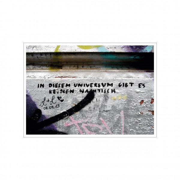Postkarte quer, Streetart, IN DIESEM UNIVERSUM