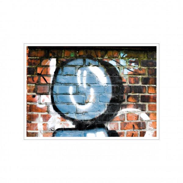 Postkarte quer, Streetart, BRICK WALL